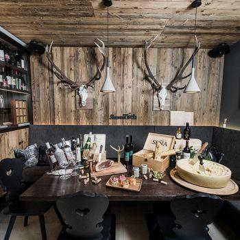 By Mara´s - Restaurant & Weinbar ©Katja Zanella-Kux
