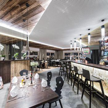 By Mara's Restaurant & Weinbar ©Katja Zanella-Kux